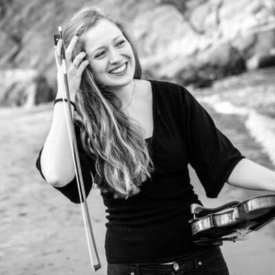Fiolinist Miriam Helms Ålien